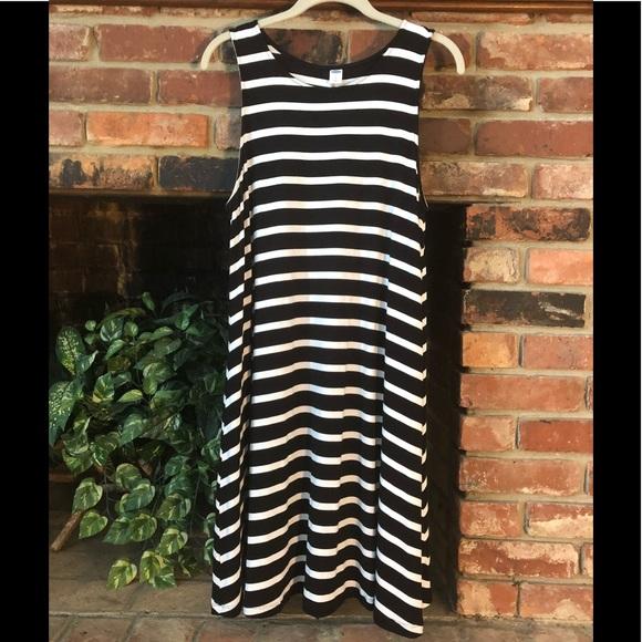 7d459e93d770c Old Navy Dresses | 5 Addon Swing Dress | Poshmark